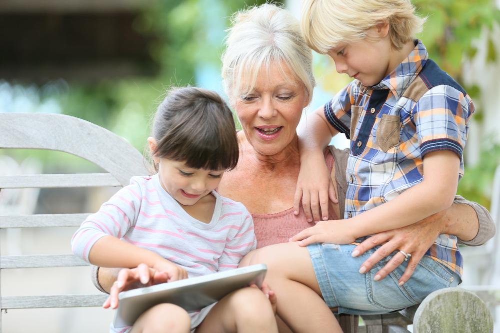 The Benefits of Visiting Grandparents in Aged Care